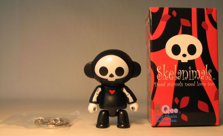Skelanimals 2.5 inch Series 1 Qee Marcy Original  Toy2R, Skelanimals, Action Figures, 2010, cute animals, art