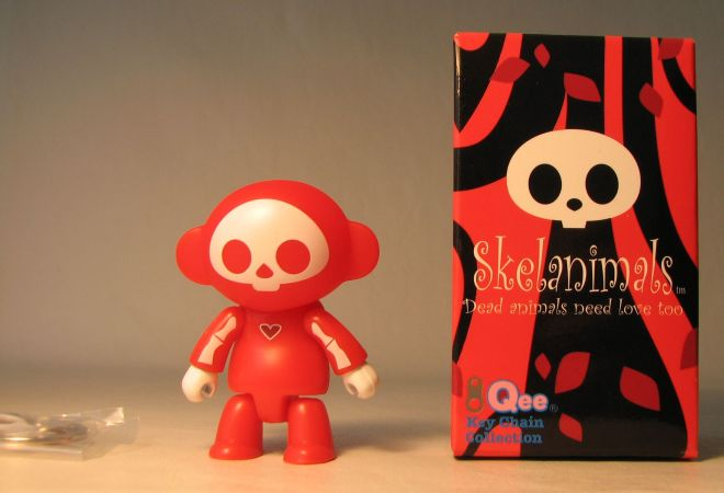 Skelanimals 2.5 inch Series 1 Qee Marcy Red