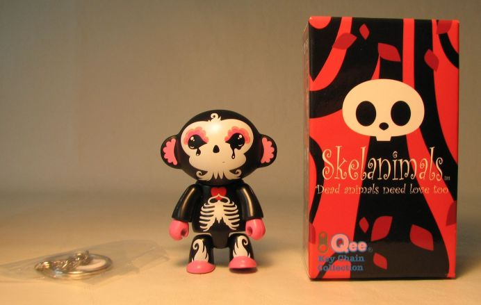 Skelanimals 2.5 inch Series 1 Qee Marcy Lunabee Toy2R, Skelanimals, Action Figures, 2010, cute animals, art