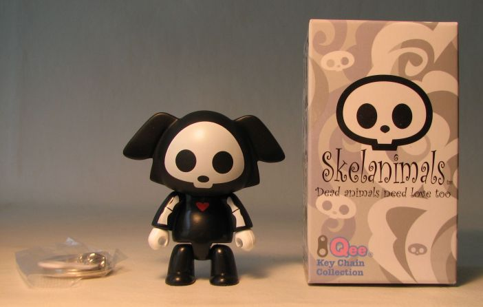 Skelanimals 2.5 inch Series 2 Qee Dax Original Toy2R, Skelanimals, Action Figures, 2010, cute animals, art