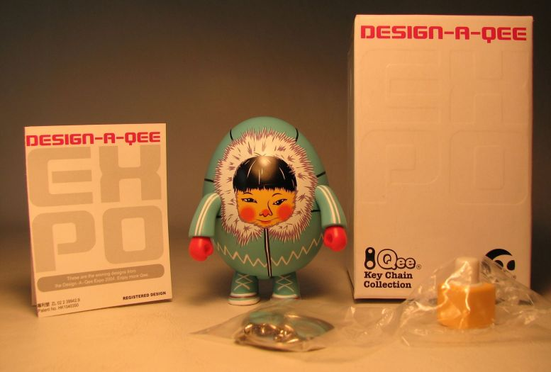 Design-a-Qee 2.5 inch Series 1  Eskimo Toy2R, Qee, Action Figures, 2005, collectible