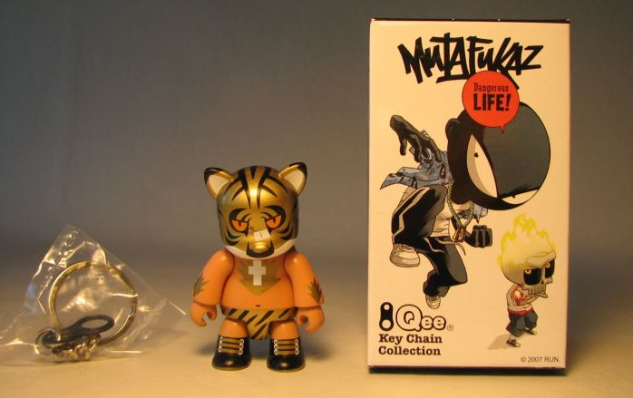 Mutafukaz 2.5 inch Qee Tigre variant (gold head) Toy2R, Qee, Action Figures, 2007, collectible