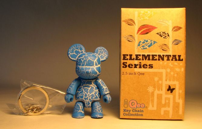 Toy2R Qee 2.5 inch Elemental Series (crackle blue) Toy2R, Qee, Action Figures, 2010, collectible