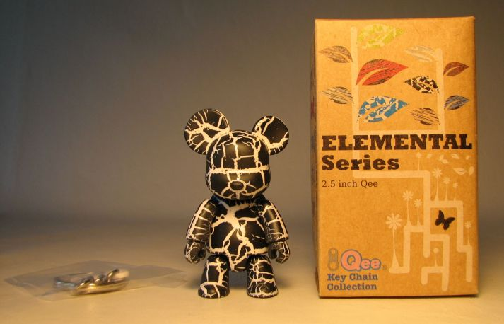 Toy2R Qee 2.5 inch Elemental Series (crackle black) Toy2R, Qee, Action Figures, 2010, collectible