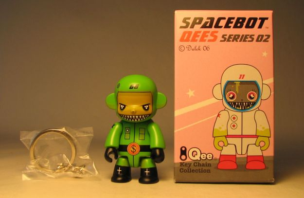 Dalek Series 2 Spacebot 2.5 inch Qee 66 Green Toy2R, Qee, Scifi, 2006, collectible