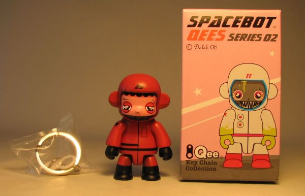 Dalek Series 2 Spacebot 2.5 inch Qee 25 Burgundy Toy2R, Qee, Scifi, 2006, collectible