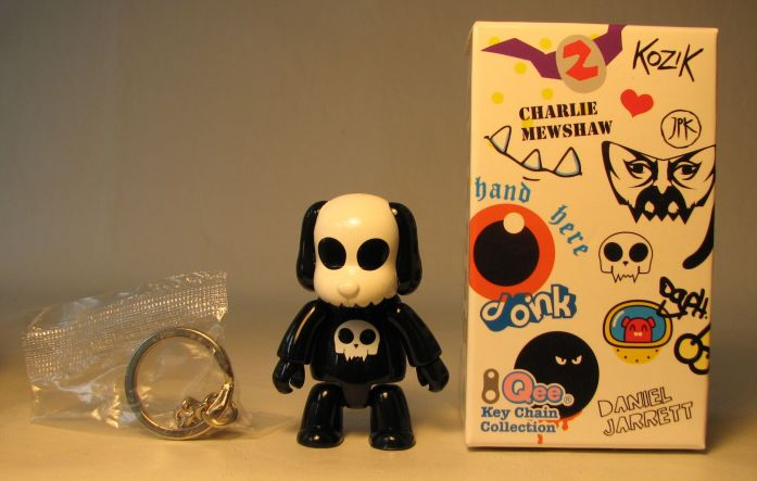 Toy2R Series 6 Designer 2.5 inch Qee by Raymond Choy Toy2R, Qee, Action Figures, 2010, collectible