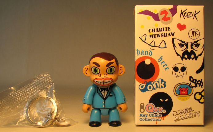 Toy2R Series 6 Designer 2.5 inch Qee by Daniel Jarrett Toy2R, Qee, Action Figures, 2010, collectible