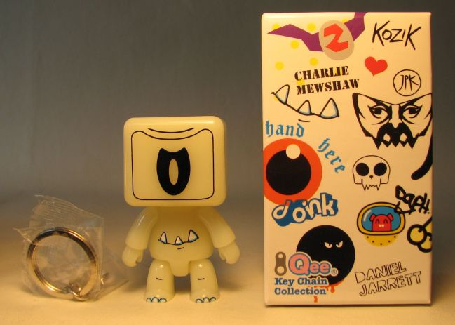 Toy2R Series 6 Designer 2.5 inch Qee by CM Glow-in-the-dark variant Toy2R, Qee, Action Figures, 2010, collectible