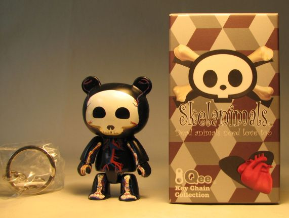Skelanimals 2.5 inch Visible Chungkee (black body) Toy2R, Skelanimals, Action Figures, 2010, cute animals, art
