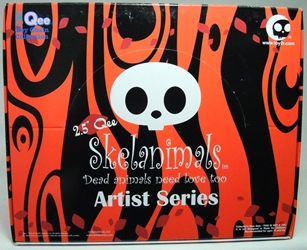 Skelanimals 2.5 inch Series 1 - Display with 25 Qees in blind boxes