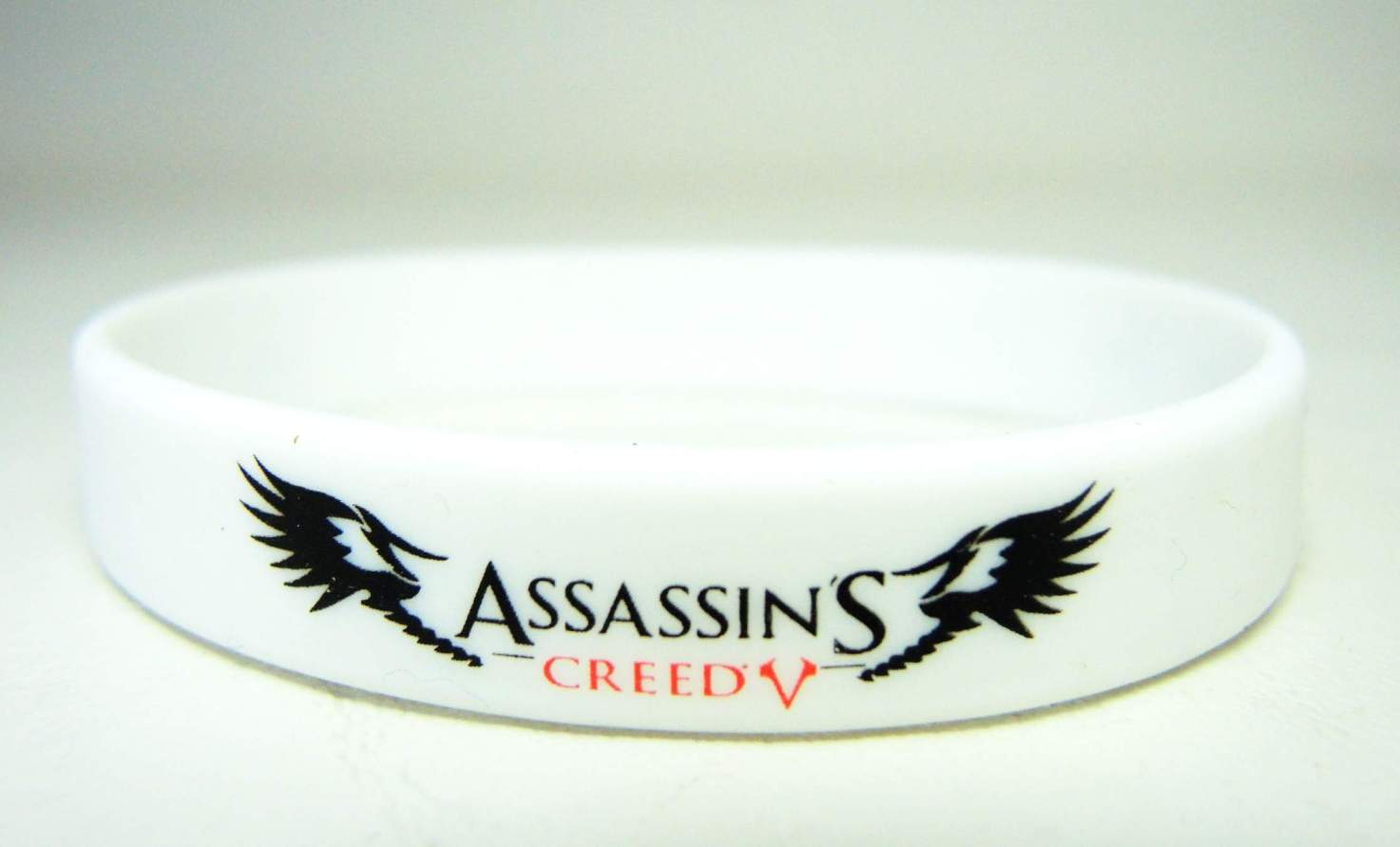 Assassins Creed - Live by the Creed rubber bracelet (white) China, Assassins Creed, Novelty Jewelry, 2015|Color~white, warriors, video game
