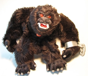 Toy Vault 12 inch plush Savage Gorilla w light-up eyes Toy Vault, Here Be Monsters, Plush, 2004, horror