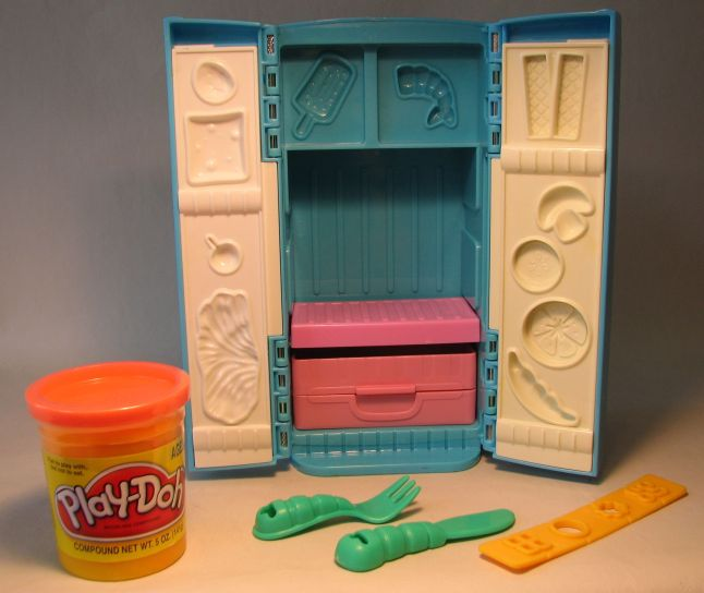 Play Doh - Fun with Food Fixin Fridge LOOSE Hasbro, Play Doh, Preschool, 2004, educational